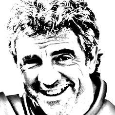 Juan Manuel Lillo Díez (Tolosa, Guipúzcoa; España, 3 de noviembre de 1965), conocido como Juanma Lillo, es un entrenador y teórico de fútbol. A lo largo de su carrera ha entrenado a varios equipos en la Primera División de España: UD Salamanca, Real Sociedad, Real Oviedo, UD Almería, CD Tenerife y Real Zaragoza. También entrenó al Dorados de Sinaloa en la Primera División de México. Es recordado principalmente por haber logrado ascender a la UD Salamanca en dos temporadas consecutivas desde 2ªB hasta la Primera División española y haber debutado en esta categoría con 29 años como el entrenador más joven de la historia de la categoría. Entrenó al UD Almería durante el tramo final de temporada 09/10 y hasta la jornada 12 de la 10/11. Juanma Lillo dejó la práctica del fútbol muy joven. Según sus propias palabras: Con quince años ya me sentía entrenador. Demetrio Terradillos, mi técnico, me cerró la puerta de ser futbolista y me abrió la ventana de ser entrenador. Me dijo, tengo dos noticias: la mala es que eres muy malo. La buena, que veo que tienes ascendente sobre tus compañeros, que te escuchan.
